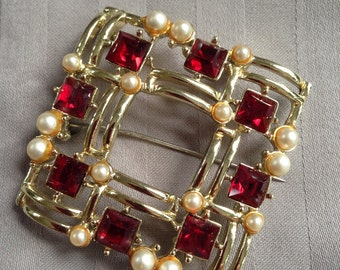 Red Jewel and Pearl Brooch - Rubys - Pearls - Lapel Pin - Jewelry - Bling