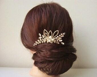 Swarovski Bridal Hair Comb in Ivory Pearl Headpiece Boho Wedding Hair Accessories Gold Leaf Flower Wedding Comb Beaded Bridal Headpiece