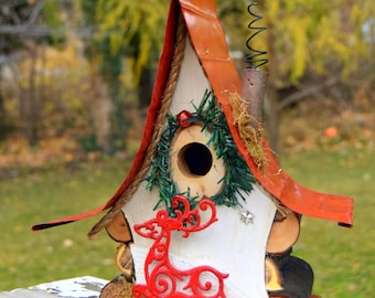 Bird house with insulated tin roof, Christmas birdhouse, reindeer,