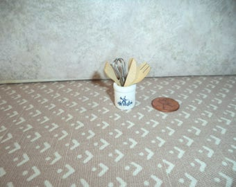 1:12 scale dollhouse miniature Delft blue look Utensils Holder