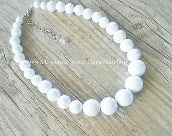 Simple beaded white necklace,White beaded necklace,Graduated White necklace,White jewelry,White Bridesmaid gift,Beach wedding,Summer wedding