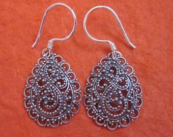 Elegant Silver sterling drop design Earrings / 1.50  long /  silver 925 / Bali granulation art handmade jewelry / (#320K)