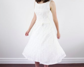 Vintage 1950s White Lace Dress / Drop Waist / Full Skirt / XS/S