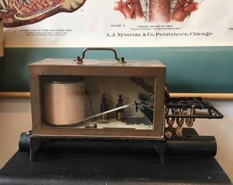 Sysmographe vintage métal et cuivre