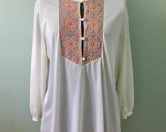 1970s 2-piece gown and housecoat set/bohemian/embroidery   ~SALE~