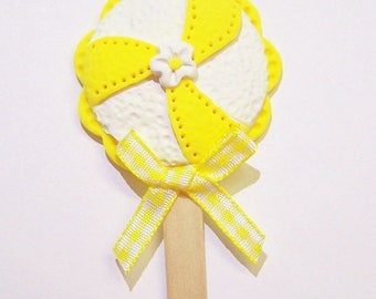 Ornament, Lollipop, Sucker, Clay, Polymer, Yellow, White, Free Shipping, Handmade, Home Decor, Candy, Pinwheel, Daisy, Sunny, Bright, Gift
