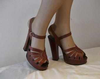 Fab 1970s super high platforms US 5 1/2 / UK 3 1/2 w/ 5 inch heels!