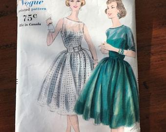 Vintage Vogue 'Printed' Pattern - One Piece Dress - 1959 - Size 12, Bust 32, Hip 34
