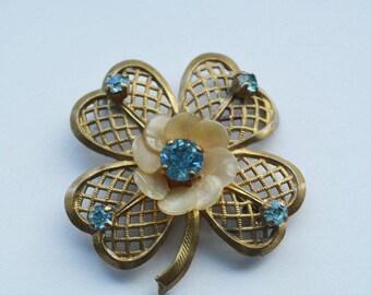 Vintage brooch - leaf clover