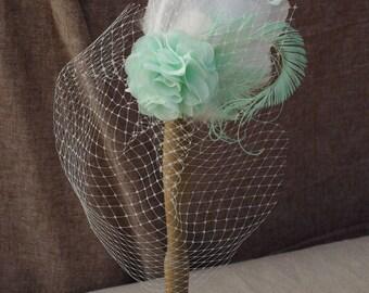 MINT Headpiece Schleier Braut Brautschmuck Fascinator hellgrün pastell mintgrün elfenbein Federn Pfauenefeder Vintage Hochzeit Kopfschmuck