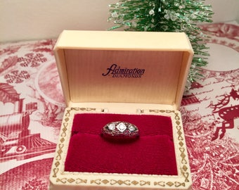 Vintage Ring Presentation Box - Shabby Chic/Art Deco/Victorian