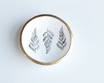 Botanical Jewelry Dish / Ring Holder / Wedding Gift / Ring Dish / Botanical Print / Engagement Gift / Personalized / Watercolor / Nature Art