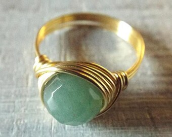 Green Aventurine Ring, Wire Wrapped Ring with Green Stone, Green Aventurine Jewelry, Gift for Girlfriend, Gold Wire Ring, Cute Ring, Gift