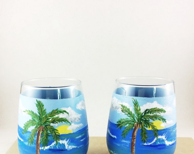 Hand painted glass, Wine lover Gifts, Ocean lover gift, Beach theme decor, Best friend gift, Painted drinking glasses, Ocean beach decor,
