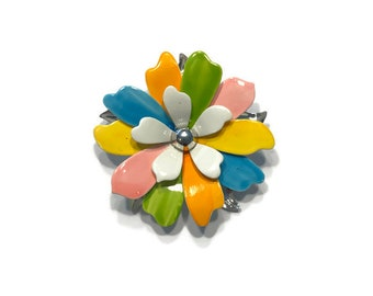 Vintage 1960s Enamel Flower Brooch, Signed Sarah Coventry Pastel Daisy Brooch, Mod Flower Pin, Flower Power Brooch, Costume Jewelry