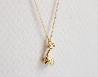 Super dainty  3D Giraffe necklace in Gold or Silver, Everyday necklace, Bridesmaid gift, Wedding necklace, Gift, Simple, Animal necklace