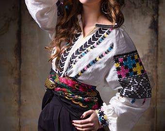 Embroidered linen shirt woman. Vyshyvanka. Ukrainian embroider blouse. Embroider shirt. Ukrainian vyshyvanka
