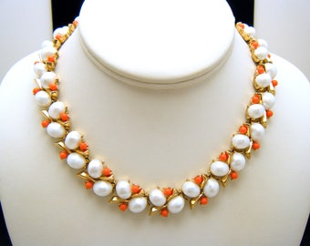 Crown Trifari Vintage Necklace Southampton Coral Lucite Beads Pearlized Cabs