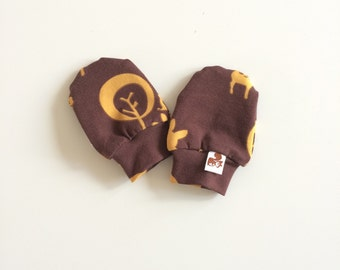 Organic baby mittens, retro scratch mitts in GOTS fabric with deer. Baby Gift Organic Boy or Girl Hand Covers Eco Friendly Gender neutral