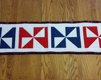 Red white and blue patriotic pinwheel table runner