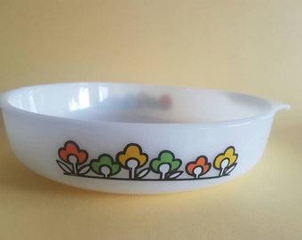 Fire King - Anchor Hocking - Summerfield Pattern - Pyrex -  Casserole Dish - Baking - Milk Glass - 429 - Rare - Flower Power