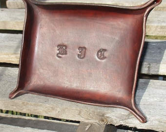 Personalized Leather Valet Tray. Dresser Tray, Desk Tray, Change tray, leather bowl, trinket tray Gift
