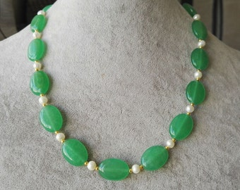JADE Necklace- 13*18 mm oval light green jade & white freshwater pearl necklace