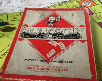 Vintage boxed Monopoly game and board / vintage toys / playthings / board games