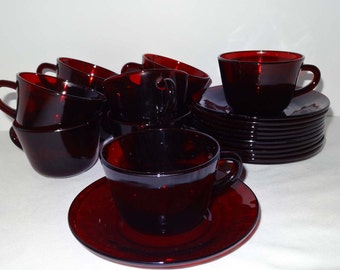 Set of 10 Ruby Glass Cups and Saucers Home and Garden Kitchen and Dining Serveware Tableware Coffee and Tea Cups and Saucers