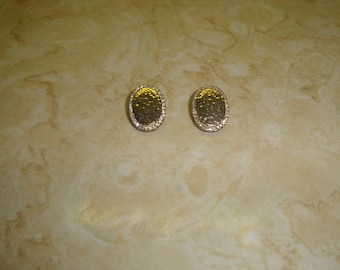 vintage clip on earrings hammered goldtone rhinestones