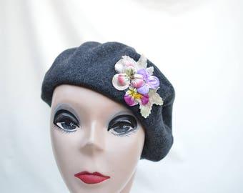 Vintage Gray Wool Beret / Wool Beret With Flower Trim Beret /  Vintage Womens Beret