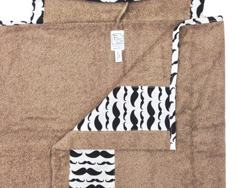 Mustache Hooded Towel Black Taupe