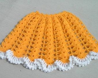 Mellow Yellow CROCHETED PONCHO PATTERN