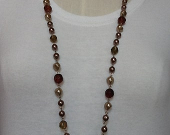 Long pearls necklace