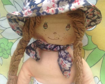 Holly Hobbie style rag doll. Cute freckly face, plaits and bonnet.