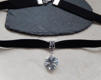 Black Velvet Choker/Necklace with Foil Backed Faceted Clear Crystal Glass Heart