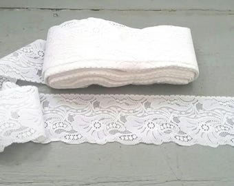 Massive lot of white lace fabric trim. Vintage White Lace trim. 85 feet of vintage lace trim. Vintage Lace garland. Wedding decor. 28 Yards.