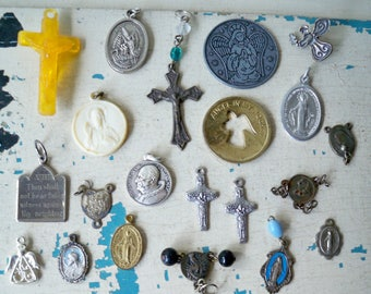 Vintage religious items lot - Crosses, crucifix, rosary medals, etc - Lot of 21 - Assemblage jewelry making supplies - cheesegrits #29