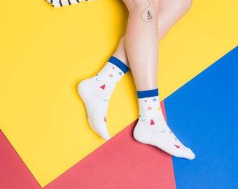 Friendly Socks | Confetti Face | White, Muster, Socken, Strümpfe, Gesicht, Unisex, lustig, schwarz, weiß, rot, blau, gelb, bauhaus, primär