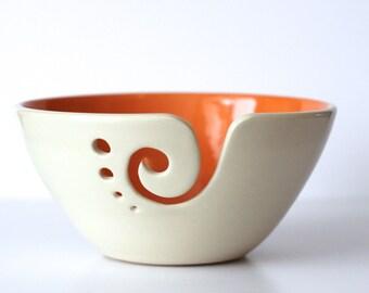 Orange Garn Schüssel / Schale stricken / häkeln Schale/Orange und weiß Garn Schüssel / 6 Zoll Garn Schüssel / auf Bestellung gefertigt