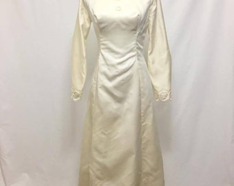 Vintage 1960s Alfred Angelo Wedding Gown with Cape and Back with Buttons