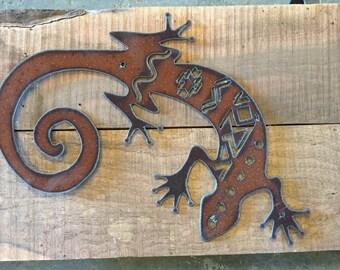 Gecko metal cutout, southwestern pattern, southwestern home decor, southwest metal art, rustic home decor, gecko wall art, rustic home decor