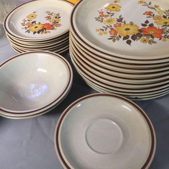 1970s Casual Elegance Hearthside Stoneware Chablis 572
