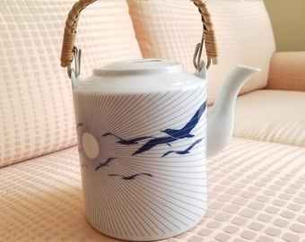 1970s Seagulls Teapot JGI Japan Shaddy Mino Country Collection Bamboo Handle fine china Large Tea Pot ergonomic lid Japanese graphics
