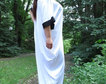 Black and off white Caftan , mod ALEKS,, Maxi Dress, Caftan dress, Kaftan, Oversized Dress, Party Dress, Prom Dress
