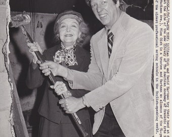 1979 Vintage Press photograph Lillian Gish & David Hartman - New York