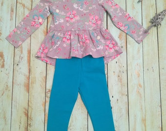 Blouse with trousers for girls.