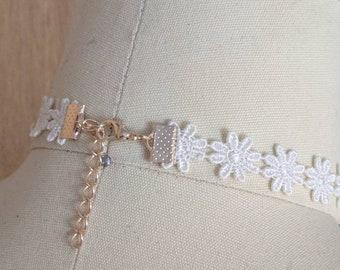 Daisy Crochet Choker