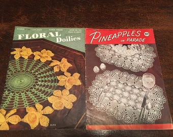 Lot of 5 Doily and Lace Edging Pattern Books and Phamphlets - Coats and Clark, Plaid Enterprises, Floral Doilies, Pineapplie Doilies