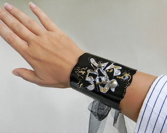 Black leather Cuff Steampunk wrist cuff with metal charms Patent Leather wide cuff, Arm cuff Leather armband, Steampunk jewelry Arm bracelet